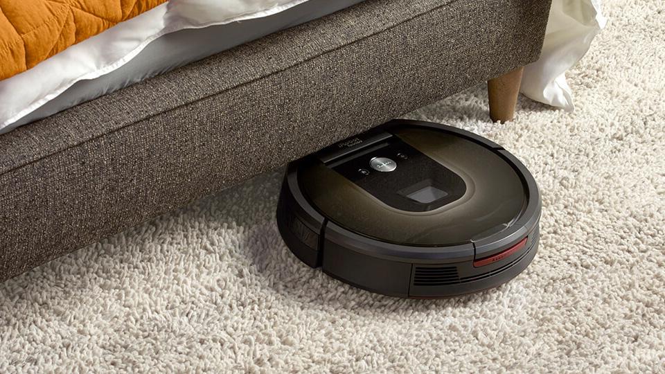 Roomba on carpet vacuuming